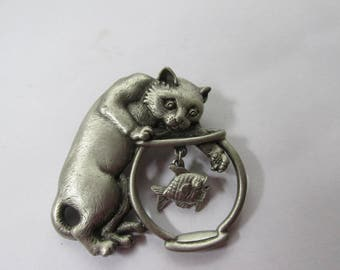 Adorable J.J. Pin Cat With Paw in Fishbowl 1960's/70's