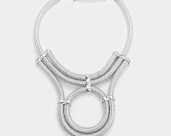 Metallic cord hoop necklace