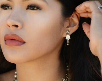 Wedding Tulip Earrings, Wedding Flower Jewelry, Vintage Wedding Jewelry, Bridal Jewelry, Bridal Earrings, Bridesmaid, Mothers Day E144
