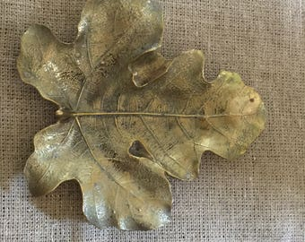 Virginia Metalcrafters Shiny Brass Fig Leaf Tray