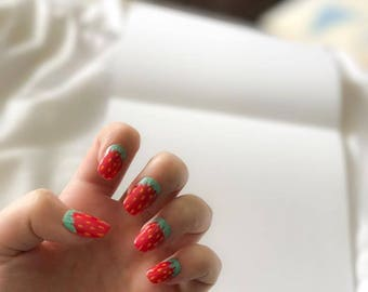 Fake Nails - Strawberries