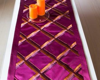 Patterned table runner, purple, satin, 100 x 50 cm