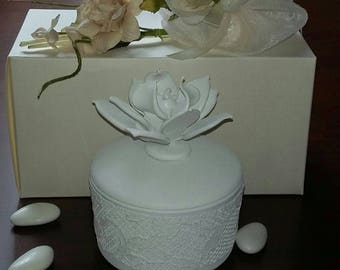 Bomboniere Favours Ornament Container Wedding White Lace Occasion Personalised Tinket Special event.