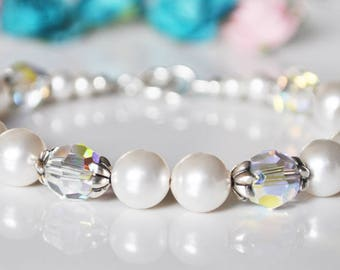 White Bridesmaid Bracelet, Pearl Bracelet, Bridesmaid Bracelet, Bridal Jewellery, Bridesmaid Gift, Wedding Gift