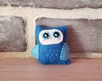 Blue Owl Brooch or Keychain