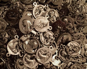 10pcs VINTAGE ROSARY CENTERS Religious Small Medals Silvered Metal
