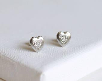 SALE . gold heart earrings . gold flower earrings . heart stud earrings . tiny heart studs . flower heart earrings . flower studs // SMLV