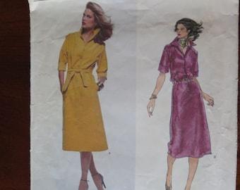 Vintage 70s Vogue American Designer Jerry Silverman Dress Sewing Pattern size 10