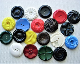 Lot of Various Large Vintage Flower Designed Plastic Buttons