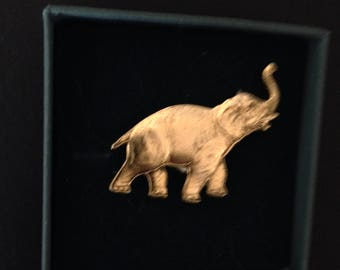 Magnetic Brooch, gold elephant