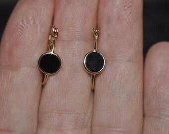 14K Yellow Gold Onyx Hoop Earrings