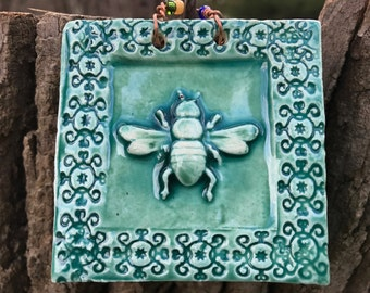 Honeybee Tile in Turquoise