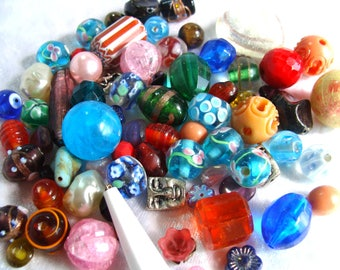 Great Lot of Mixed  Beads  Assorted Beads 5oz Multi Color Destash Grab Bag