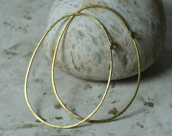Handmade hammered large oval (egg shape) solid brass hoop 58x44mm, one pair (item ID LEBEGG18GB))