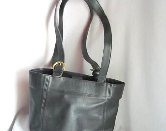 Vintage Coach BUCKET Purse / Black LEATHER Shoulder Bag /medium size Handbag Double Handles
