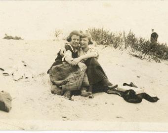 vintage photo 1915 Affectionate Women on Beach Sand Dunes Lesbian int