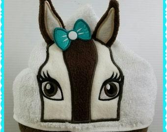 Towel Hoodie ~ Personalized Horse Hooded Towel for Kids ~ Handmade Toddler Bath Towel ~ Birthday Gift from grandma ~ Girl Horse Beach Towel