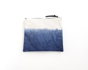 Navy blue dipdyed pouch with zipper II