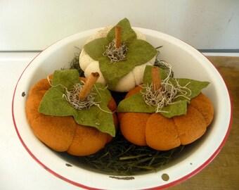 Primitive pumpkin gathering prim flattie pumpkins bowl filler tucks set of three