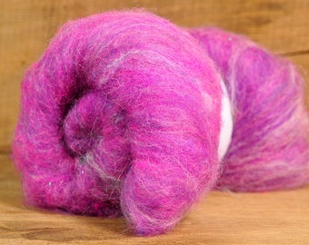 Carded Wool/Luxury Fibre Batt 50g - 'Old Fashioned Hat'