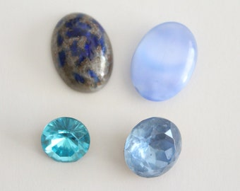 ONLY LOT - Vintage mixed lot blue glass stones cabochons (4)