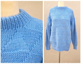 30% OFF Baby blue pullover / vintage chunky sweater / hand knit, diamond pattern, light weight, boyfriend sweater / med-large lg