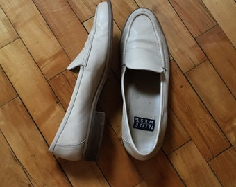 Vintage 90s butter soft blonde leather loafers flats by Nine West size 10.5 M