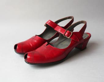 Vintage 1950s Shoes / 50s Red Leather Peep Toes / 40s 50s Peeptoe Shoes 9 narrow