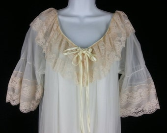 Vtg Intime of California white chiffon and pink lace peignoir set size medium