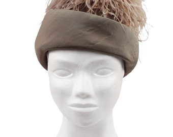 VINTAGE 1960s Miltary Green Fabric PILLBOX HAT w/ Marabu Feathers
