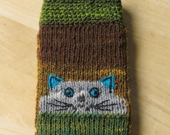 Curious Cat Phone Cozy knitting pattern