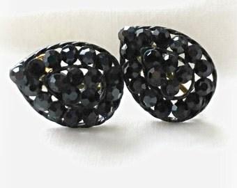 Simple Black Earrings, Vintage Rhinestone screw back, small pear shape, elegant costume jewelry