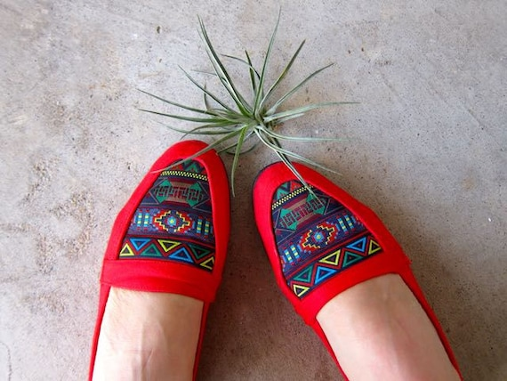 Vintage 80s Red Southwestern Espadrilles Cotton Fabric Slip Ons Summer Flats Modern Tribal Print Shoes DES Womens Size 6.5