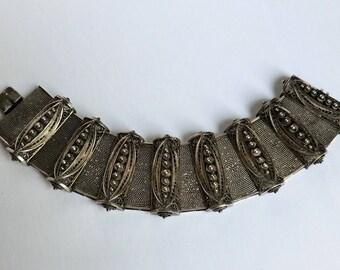 Vintage Silver Etruscan Bracelet Amazing Detail Italy 800 Silver circa 1940 Boho Fashion