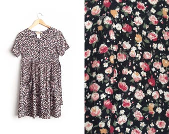Size XS/S // FLORAL DRESS // Babydoll - Short Sleeve - Button-Up - Patch Pockets - Grunge - Vintage '90s.