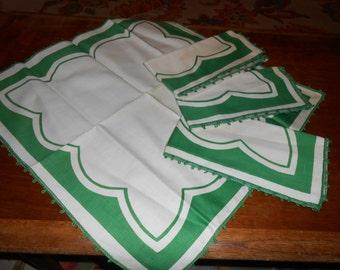 Vintage deadstock Four Green and white Linen napkins