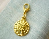 Golden Sand Dollar Clip Charm-Summer 14k plated gold Sand Dollar charm