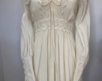 SALE Vintage 70s Cream Crochet Corset Gunne Sax Maxi Dress S