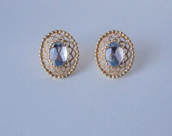Vintage Sarah Coventry Gold Tone Oval Clear Rhinestone Earrings.
