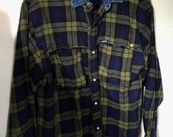 Vintage Guess Green Navy Blue Flannel Plaid Button Up Shirt with Denim Collar Medium M Grunge