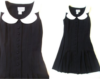 90s dolly dress / cute as hell / small / white collar / pleats