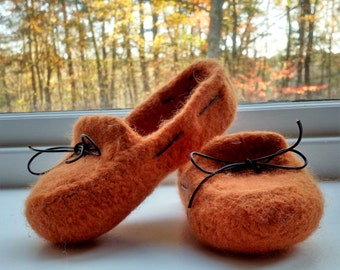Slippers Women's Felted Mocs - knitting pattern bulky yarn Downloadable PDF - DIY Christmas Birthday Holiday gift - resell permission