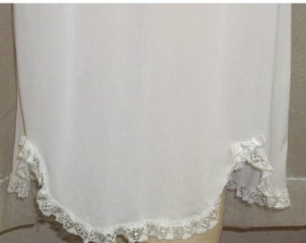 ON SALE Vintage White Youth Girls Nylon Half Slip 10-12 Medium