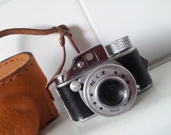 Vintage TINY 1950s Japan Mini/Sub miniature HIT Spy Camera Pocket Camera with Leather Case