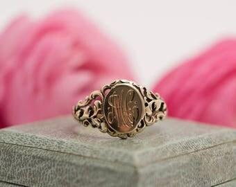 Antique 10K Gold Signet Ring- size 7.25