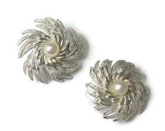 Sarah Coventry Pinwheel Swirl Earrings Simulated Pearls Silver Tone Clip On