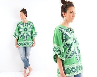 HOLIDAY SALE vintage 70s green PINEAPPLE bell sleeve Dashiki top S-M