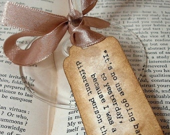 Alice in Wonderland Quote Tags Set of 200 Tags/ Wonderland Wedding Favor Tags/ Vintage White Rabbit Quote Gift Tags/