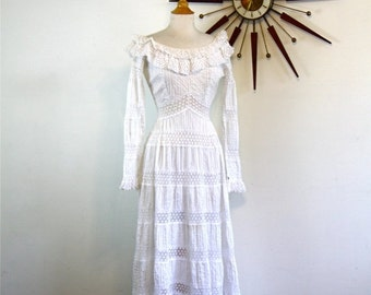 SALE 50% OFF Mexican Wedding Dress Vintage 1970s LILLIE Rubin White Crocheted Lace Pleated Tiered Long Sleeve Scoop Neck 60s 70s Romantic Bo
