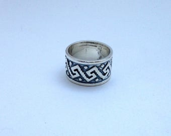 Mens Aztec Design Sterling Silver Ring Made in Mexico Vintage Oxidized
